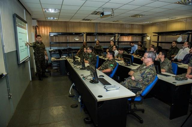 I Encontro de Especialistas em Cibernética reúne civis e militares das Forças Armadas na Capital Federal
