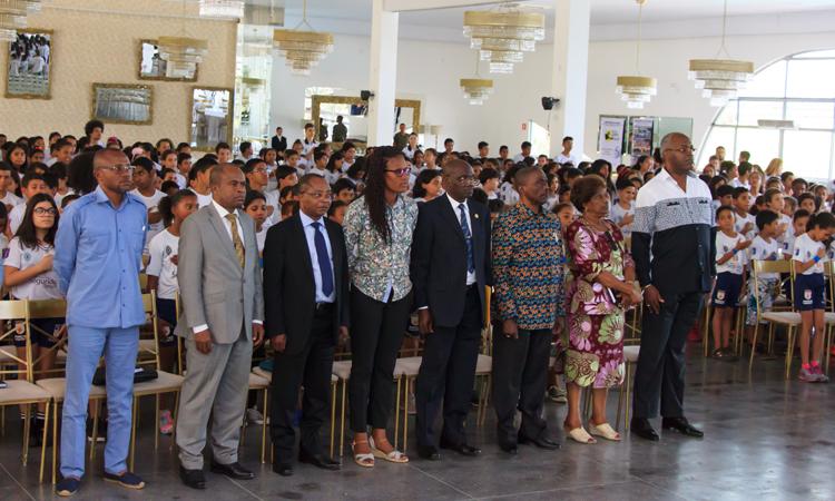 Ministro dos Esportes da República do Congo visita instalações do Profesp