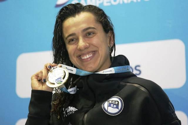 Nadadora do Exército Brasileiro, classificada para o mundial de natação, quebra outro recorde Sul-Americano