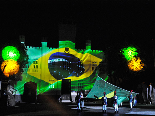 Parada Após o Pôr do Sol homenageia Estados membros da Comunidade dos Países de Língua Portuguesa