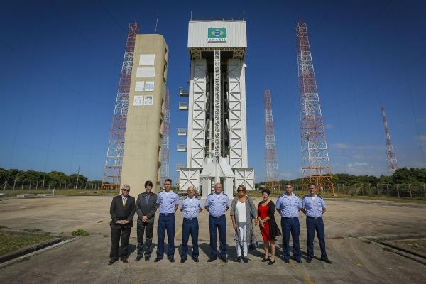 Representante da ONU para assuntos espaciais conhece centro de lançamento da FAB