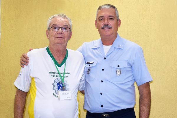 Suboficial formado pela EEAR é pai de atual Comandante da Unidade