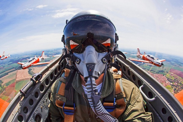 A aeronave T-27 Tucano é tema de documentário nos seus 35 anos