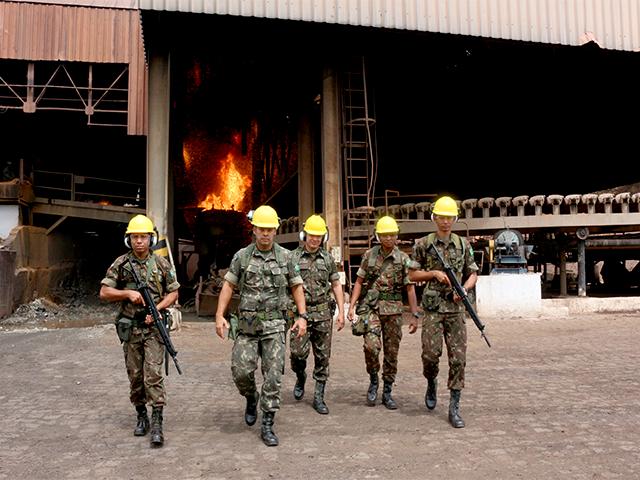 Exército Brasileiro e Tribunal de Justiça do Maranhão realizam destruição definitiva de armamento