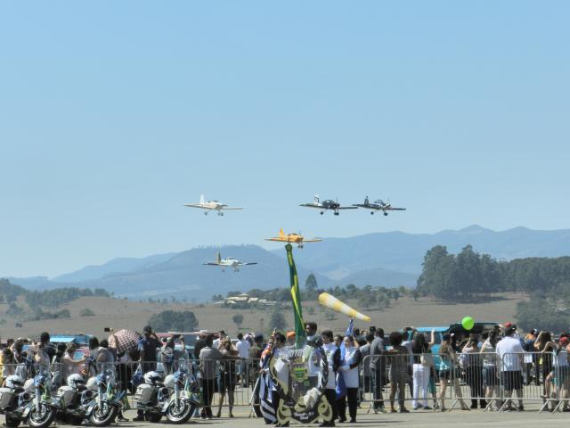 Aviação do Exército comemora seu 32º aniversário de recriação