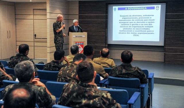 Curso promovido pelo IEFEx capacita recursos humanos para assessoramento em aquisições internacionais