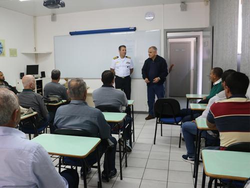 Capitania dos Portos de Santa Catarina forma 63 pescadores profissionais