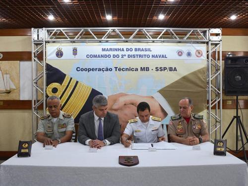 Comando do 2° Distrito Naval assina acordo de cooperação com Secretaria de Segurança Pública da Bahia