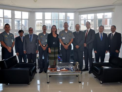 Centro Tecnológico da Marinha no Rio de Janeiro recebe visita da Consultora Jurídica da União no Rio de Janeiro e Comitiva da AGU