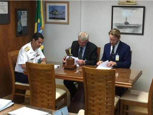 Diretoria de Aeronáutica da Marinha assina Acordo de Compensação de Offset