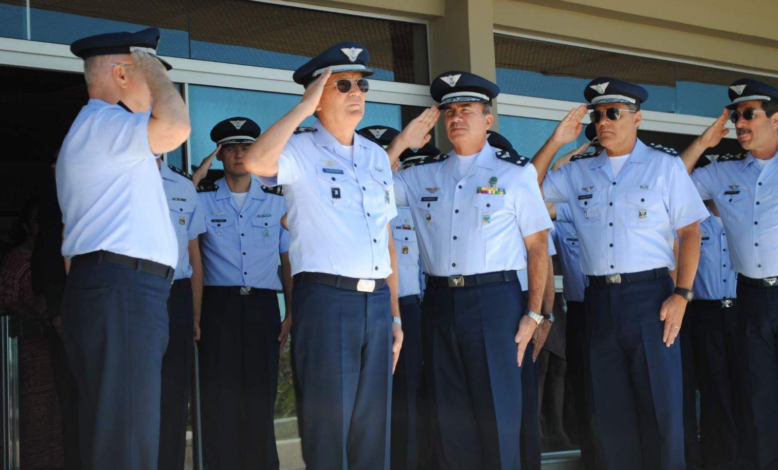 Diversas unidades da FAB realizam cerimônia de promoção de oficiais