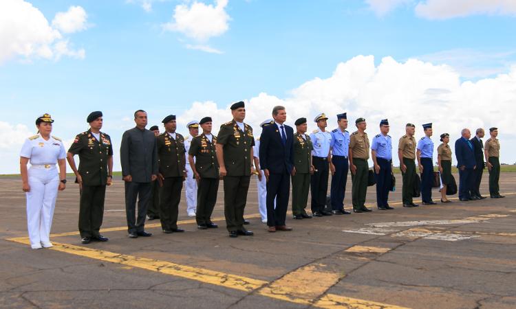 Fortalecimento de temas de defesa marcam reunião de ministros na Venezuela