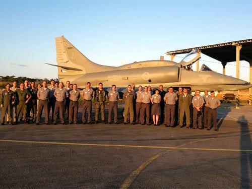 Marinha do Brasil recebe quarto AF-1 modernizado pela Embraer