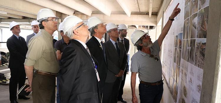 Ministro da Defesa visita obras da sede da Amazul