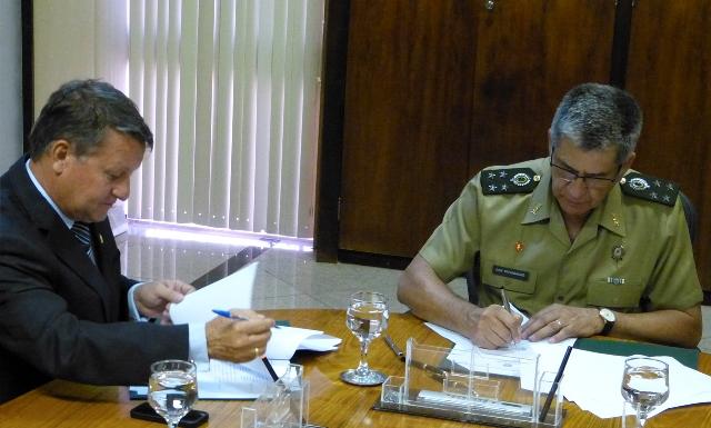 Associação Nacional de Equoterapia e Exército Brasileiro celebram Acordo de Cooperação