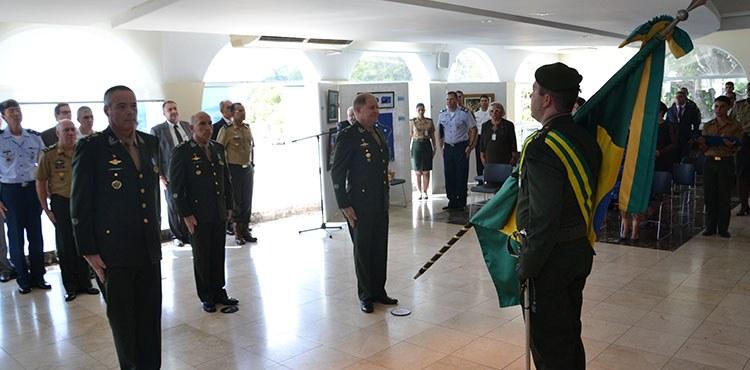 Transmissão do Cargo de Assistente Militar do Exército