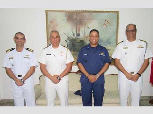 2º Batalhão de Operações Ribeirinhas recebe visita do Adido Naval dos Estados Unidos da América