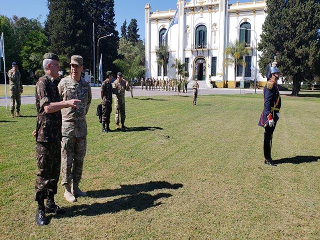Comandante Militar do Sul realiza Visita Diplomática a Argentina