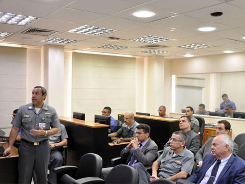 Comando do Controle Naval do Tráfego Marítimo recebe visita da Comitiva da Secretaria Nacional de Segurança Pública