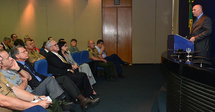 Defesa recebe fundação especializada em soluções inovadoras em tecnologia e gestão
