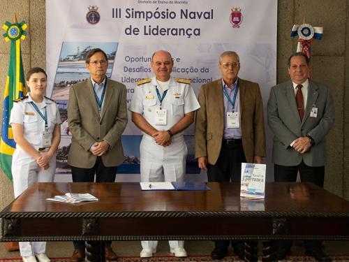 Diretoria de Ensino da Marinha promove III Simpósio Naval de Liderança