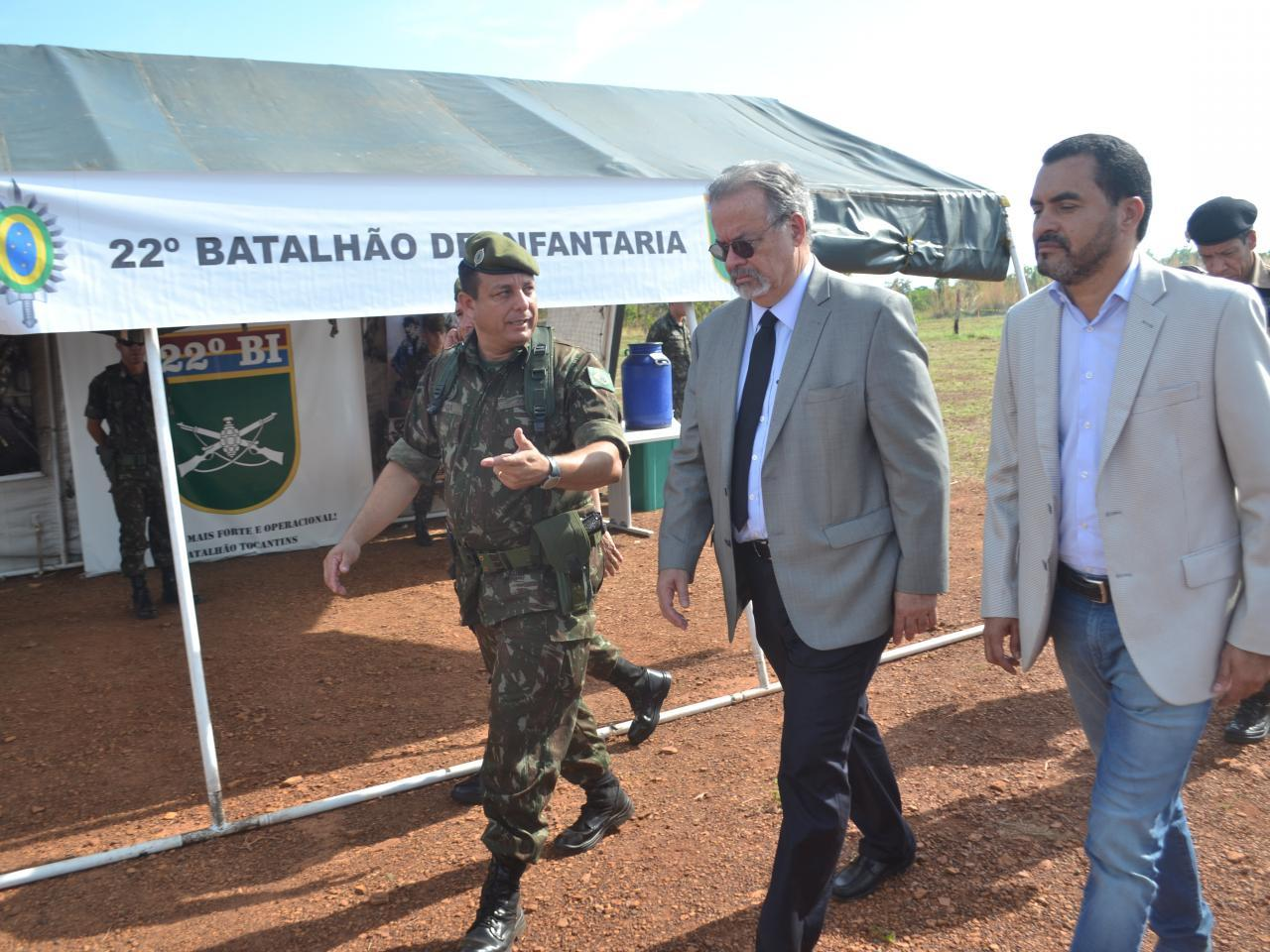 Ministro da Segurança Pública acompanha instruções do Exército para as forças de segurança em Tocantins