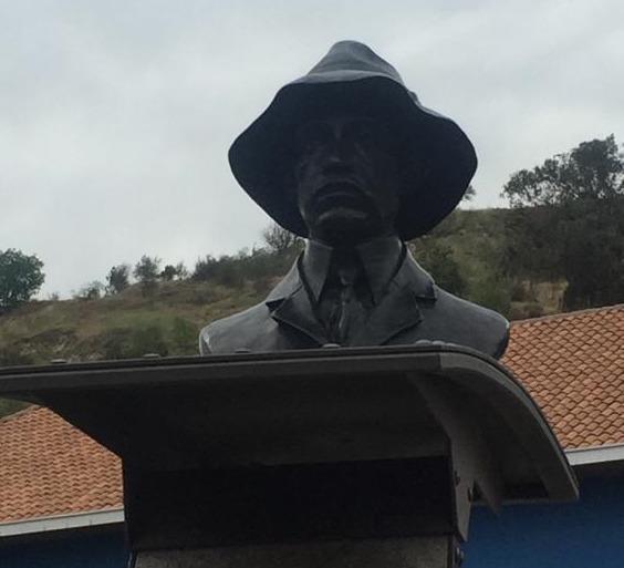 Monumento em homenagem a Santos-Dumont é inaugurado em Santiago, no Chile