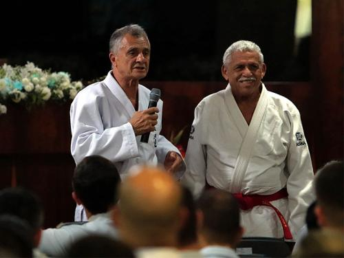Professor Renato ministra palestra para a Equipe de Judô da Marinha do Brasil