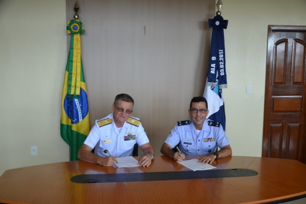 Acordo é assinado para Ala 9 sediar esquadrão do 4º Distrito Naval