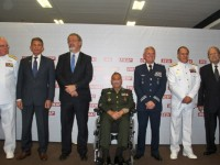 Comandante da FAB participa de homenagem