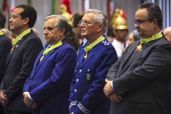 Comandante da FAB é condecorado com Ordem do Mérito do Trabalho Getúlio Vargas