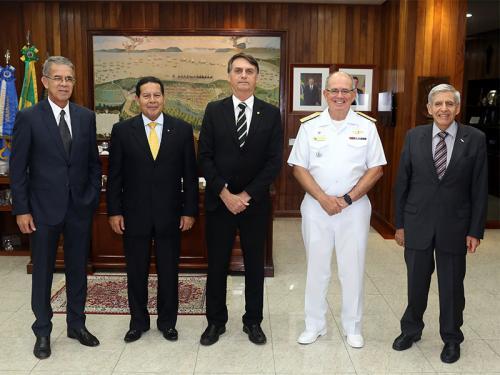Comandante da Marinha recebe visita do Presidente eleito, Jair Bolsonaro