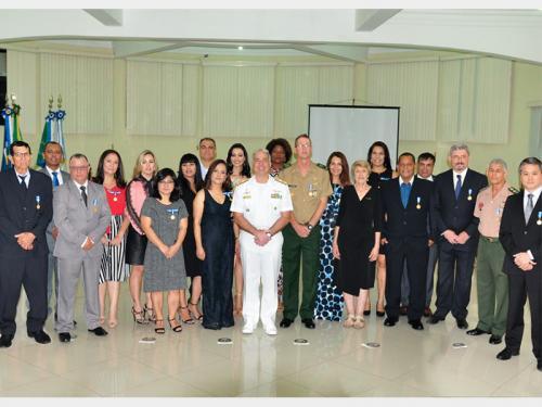 Comando do 6º Distrito Naval realiza cerimônia de Imposição da Medalha Amigo da Marinha