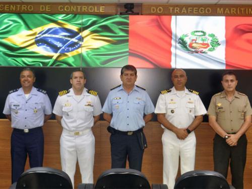 Comando do Controle Naval do Tráfego Marítimo recebe visita da Delegação da Escola Conjunta das Forças Armadas do Peru
