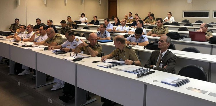 Curso de Estado-Maior Conjunto da Escola Superior de Guerra recebe integrantes do Estado-Maior Conjunto das Forças Armadas (EMCFA)