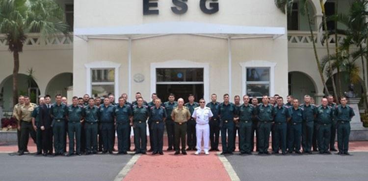 Escola de Comando do Estado-Maior do Exército do Paraguai visita a ESG