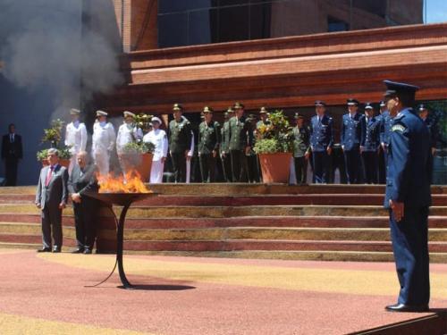 Marinha do Brasil coordena cerimônia do Dia da Bandeira na Embaixada do Brasil no Paraguai