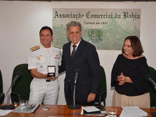 Marinha do Brasil é homenageada na Associação Comercial da Bahia