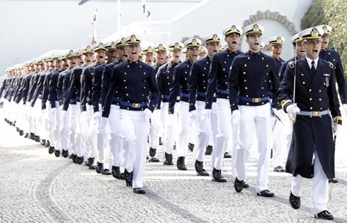 Marinha: 533 vagas de níveis fundamental e médio/técnico