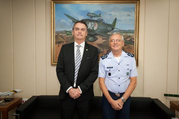 Presidente eleito visita Comando da Aeronáutica