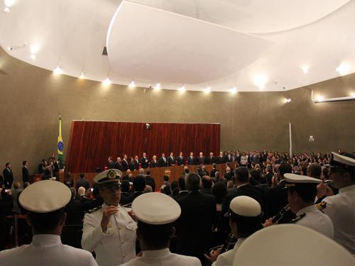 Banda de música do Grupamento de Fuzileiros Navais de Brasília participa de diplomação do novo Presidente da República