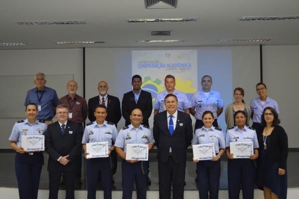 FAB e Força Aérea Colombiana participam de I Fórum de Cooperação Acadêmica