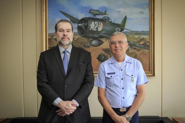 Comandante da FAB recebe visita do Presidente do STF