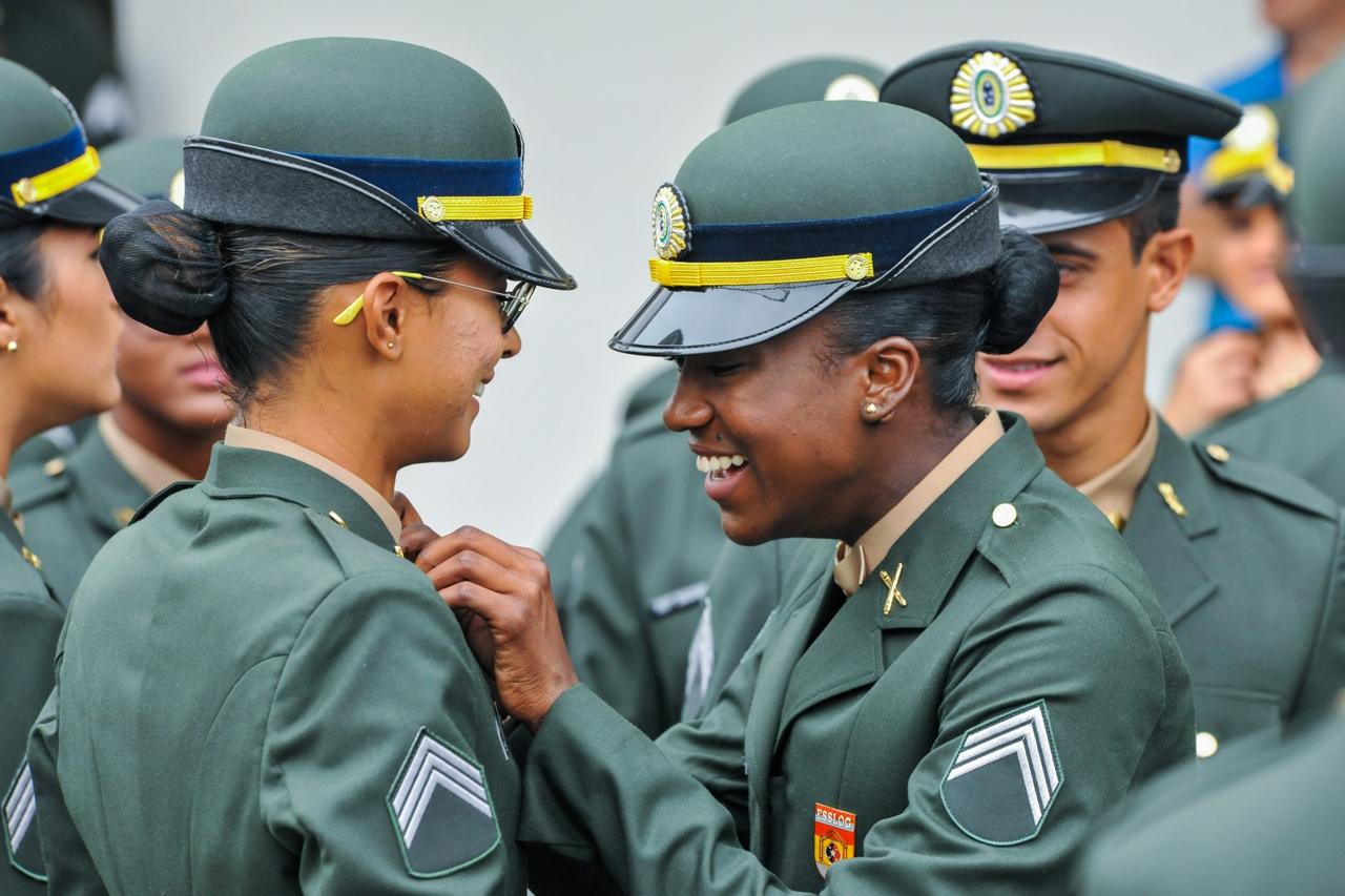 Escola de Sargentos de Logística forma 1ª turma com presença de mulheres na Linha de Ensino Militar Bélico