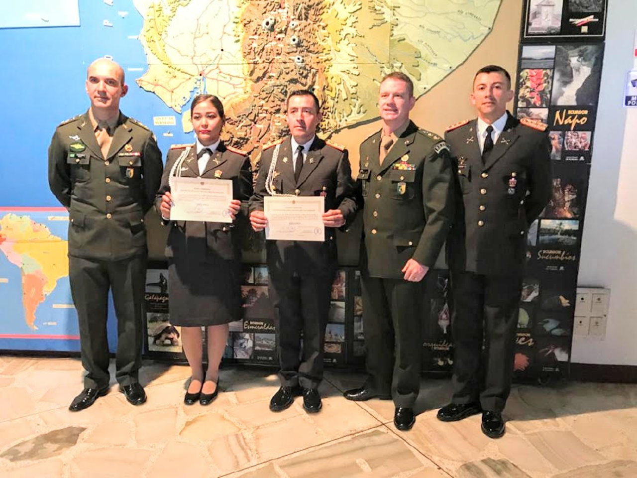 Encerramento do Curso de Oficiais Básico de Armas e Serviços 43 no Equador