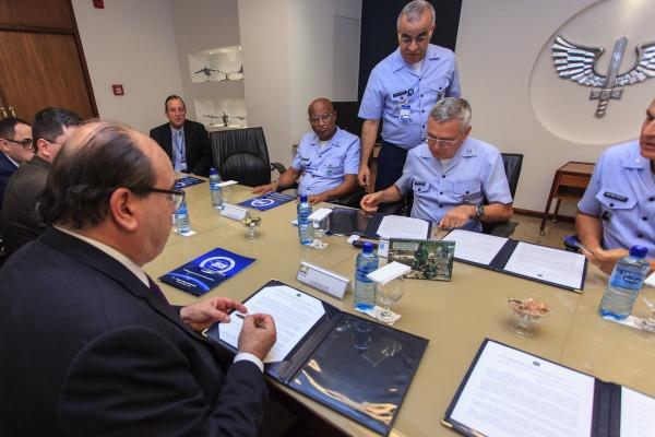 FAB e SAC assinam portarias que estabelecem Plano de Zoneamento Civil-Militar