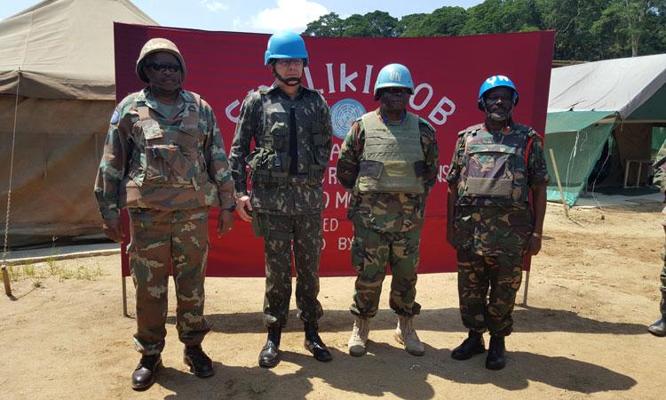 General Elias visita Base de combate no Congo