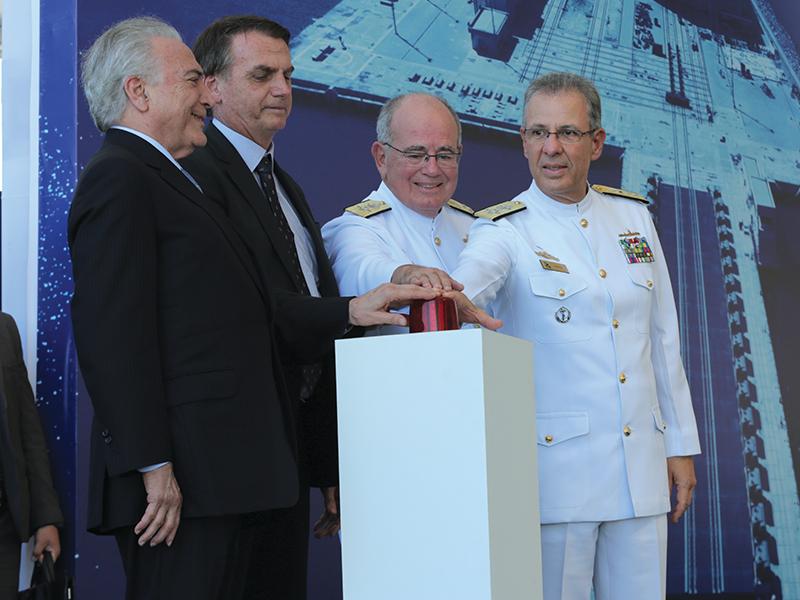 """Marinha lança ao mar o Submarino """"Riachuelo"""", o primeiro do PROSUB"""