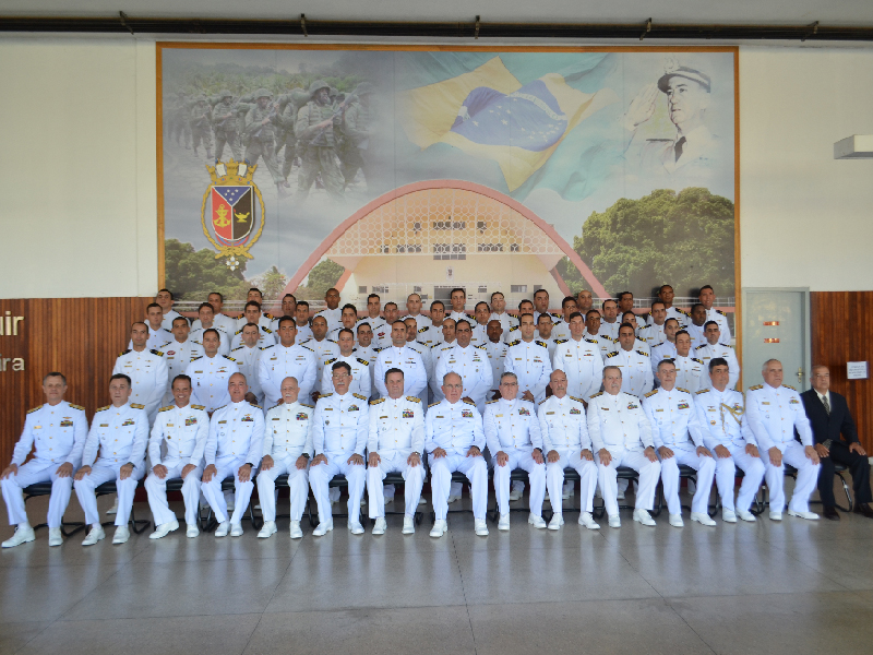 Oficiais concluem o Curso de Aperfeiçoamento de Oficiais do Corpo de Fuzileiros Navais 2018