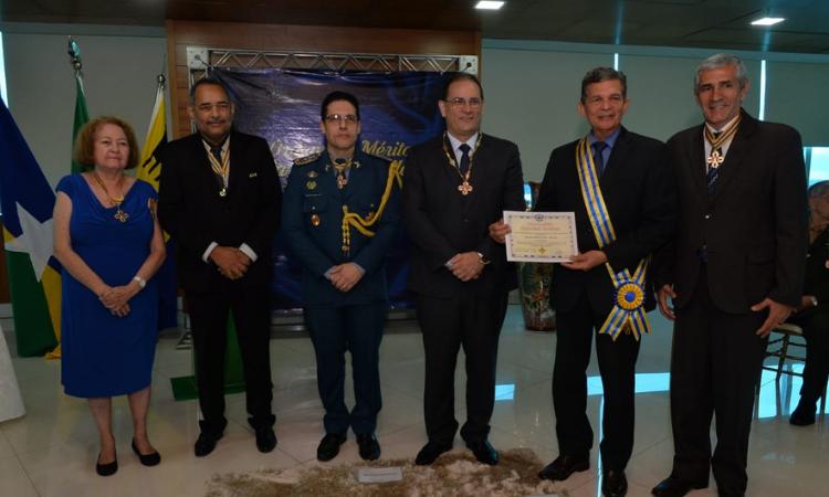 Silva e Luna recebe mais alta comenda oferecida pelo governo de Rondônia